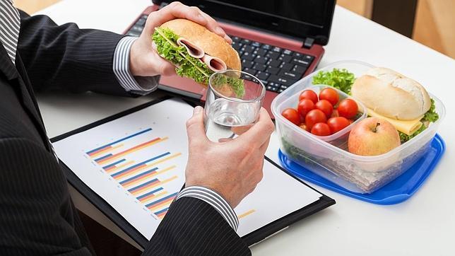 Ideas sanas y ricas para comer en el trabajo buenmercadoacasa - Fruta en la oficina ...